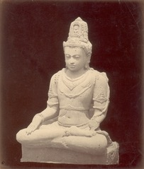 KITLV 87806 - Isidore van Kinsbergen - Buddha sculpture comes from Yogyakarta, moved to Magelang - Before 1900.tif