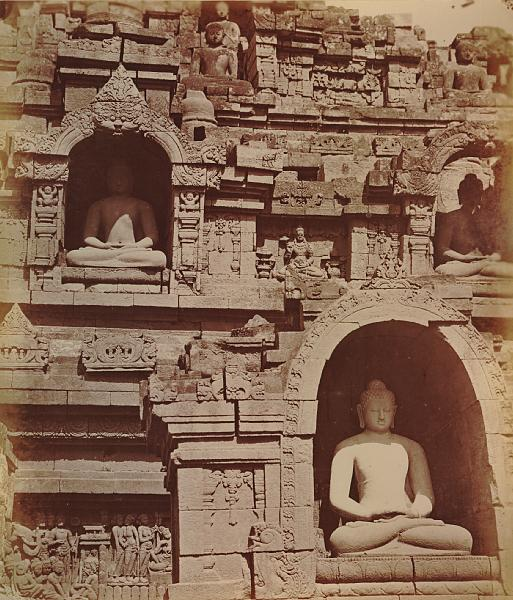 File:KITLV 90003 - Isidore van Kinsbergen - Buddhas and carvings on the west side of the Borobudur near Magelang - Around 1900.tif