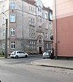 Kamienica narożna elewacja Okrzei 23A faktycznie od ulicy Kraszewskiego.jpg