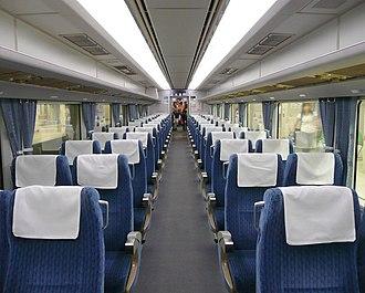 Keisei AE100 series - Image: Keisei AE100 interior 20070728