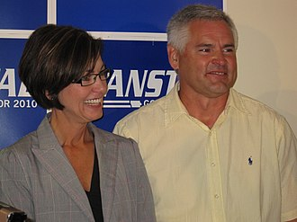 Kim Reynolds - Reynolds with husband Kevin Reynolds in 2010