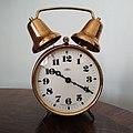 Klasický natahovací budík - Clock Gallery.jpg