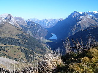 Mutteristock - The Mutteristock (left) and the valley of Klöntal