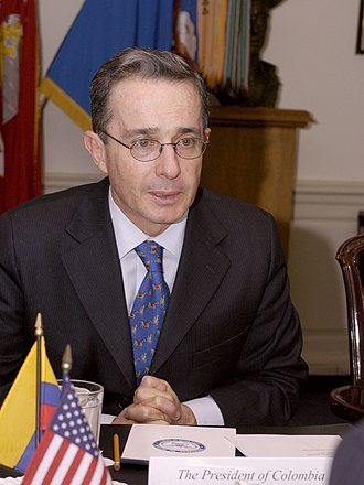Álvaro Uribe - Álvaro Uribe during a meeting at the Pentagon in 2004