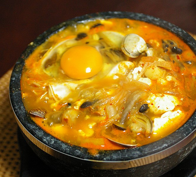 파일:Korean.food-Sundubu.jjigae-01a.jpg