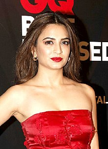 Kriti Kharbanda at the GQ Best Dressed Awards 2017 (33) (cropped).jpg