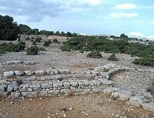 Giants' grave - Image: La protome taurina