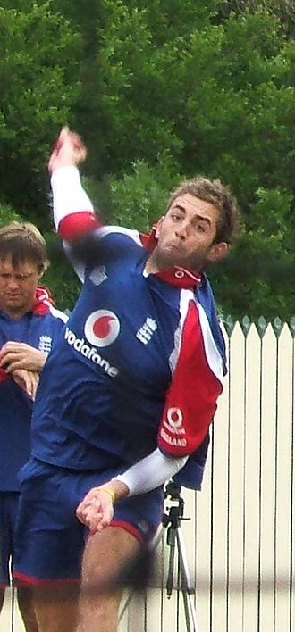 Liam Plunkett - Plunkett bowls in the Adelaide Oval nets during the 2006-07 Ashes series
