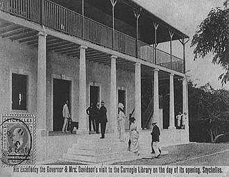 Walter Edward Davidson - Governor and Lady Davidson visiting the Carnegie Library (now the National Library of Seychelles) at the day of its opening in 1910
