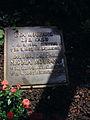 Liegestein Nicola Moufang, Familiengrab Bergfriedhof Heidelberg BILD0290.JPG