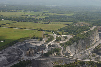 Limestone - Limestone quarry at Cedar Creek, Virginia, USA
