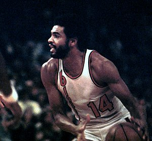 Lionel Hollins - Lionel Hollins was a key member of the Trail Blazers' 1976–77 championship team