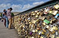 Lovelocks on pont des Arts, Paris.jpg