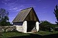 Lychgate na igrexa de Ekeby.jpg