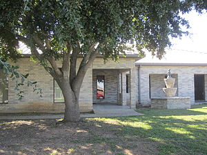 Lytle, Texas - Image: Lytle, TX, Community Center IMG 0742
