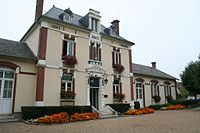 Mézières-sur-Seine Mairie01.jpg