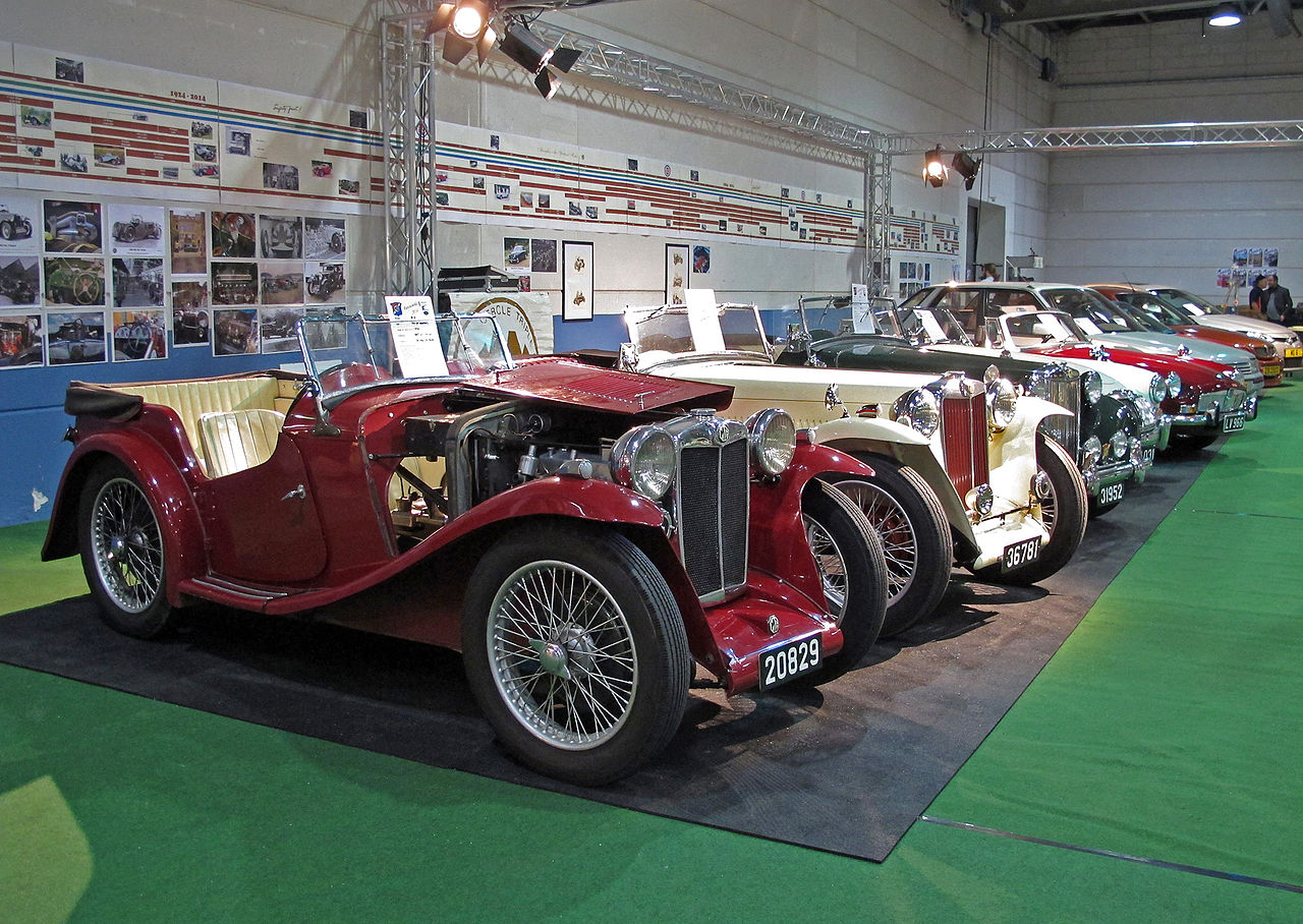 file mg car club luxembourg booth autojumble wikimedia commons. Black Bedroom Furniture Sets. Home Design Ideas