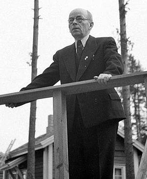 Counselor of State (Finland) - Image: Maaherra E.Y.Pehkonen pitämässä puhetta Oulu 1943.09.10