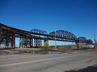 MacArthur Bridge (St. Louis) bridge in St. Louis, connecting Illinois and Missouri