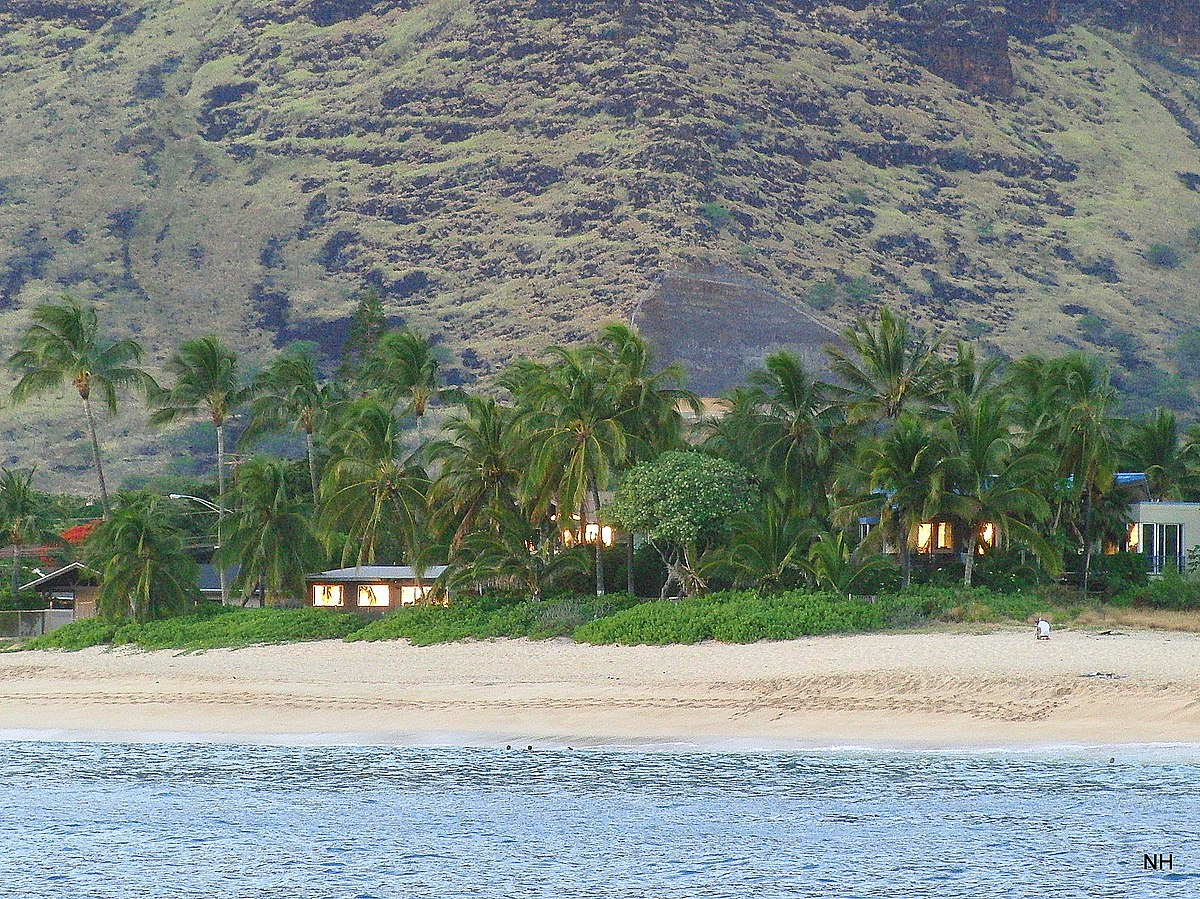 File Makaha Beach Panoramio Jpg