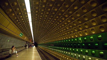 Malostranská station on line A, Prague Metro.jpg