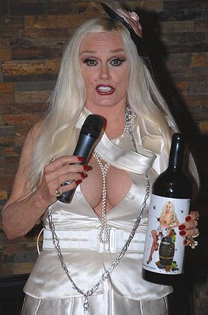 Mamie Van Doren - Van Doren at the launch of her wine brand in 2007