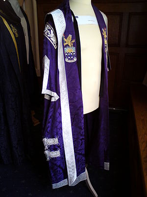 Academic dress of the University of Manchester - Chancellor's robe
