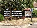 Marcilly-la-Campagne-FR-27-panneaux routiers-01.jpg