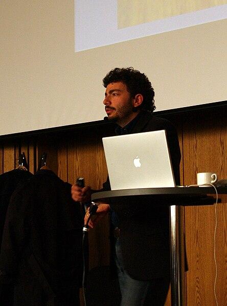 File:Massimo Polidoro 2009.jpg