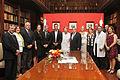 Mauricio Macri firmó un convenio para la creación de otra Casa de Ronald McDonald (7091751933).jpg