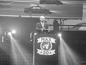 Max Pezzali si esibisce a Torino con Il presidente di tutto il mondo nel 2013