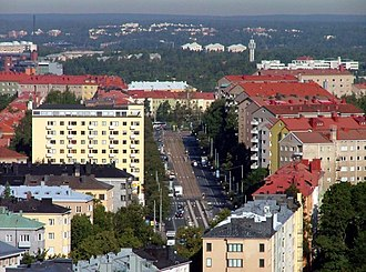 Meilahti - View along Mannerheimintie with apartment buildings of Meilahti to the left, and those of Laakso to the right