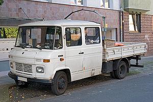 Mercedes-Benz T2 - Mercedes-Benz 407 D double-cab truck (1967-1981)
