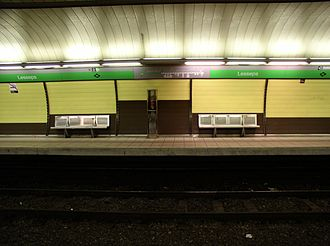 Barcelona Metro line 3 - Lesseps station