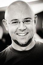 Michael DiMartino lächelt.