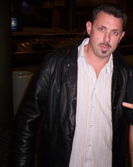 als Michael Cole in 2008