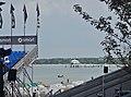 """Mikado-Teehaus und Restaurant """"Wolkenlos"""" auf der Seeschlösschen-Seebrücke - panoramio.jpg"""