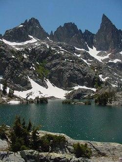 Minaret Lake - Wikipedia