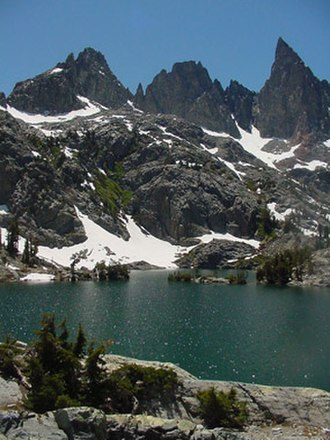 Sierra High Route - High Route hikers travel around Minaret Lake