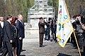 Ministru prezidents Valdis Dombrovskis piedalās svinīgajā vainagu nolikšanas ceremonijā Rīgas Brāļu kapos, atzīmējot Nacisma sagrāves dienu un pieminot Otrajā pasaules karā bojāgājušos (8720270198).jpg