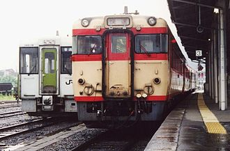 Yamada Line (JR East) - Old type Yamada Line diesel cars (right) and new type ones (left) at Miyako Station in 2002
