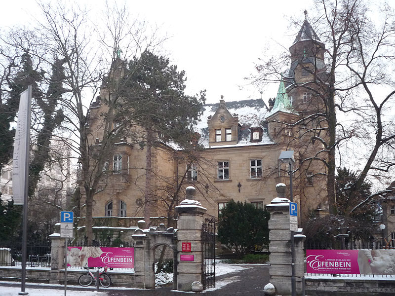 File:Museumsufer Liebieghaus 690-vh.jpg