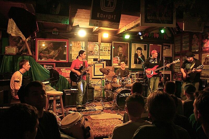 Muzyczna Owczarnia, salle de concert près des montagnes au sud de Cracovie - Photo de Tomasz Grabara