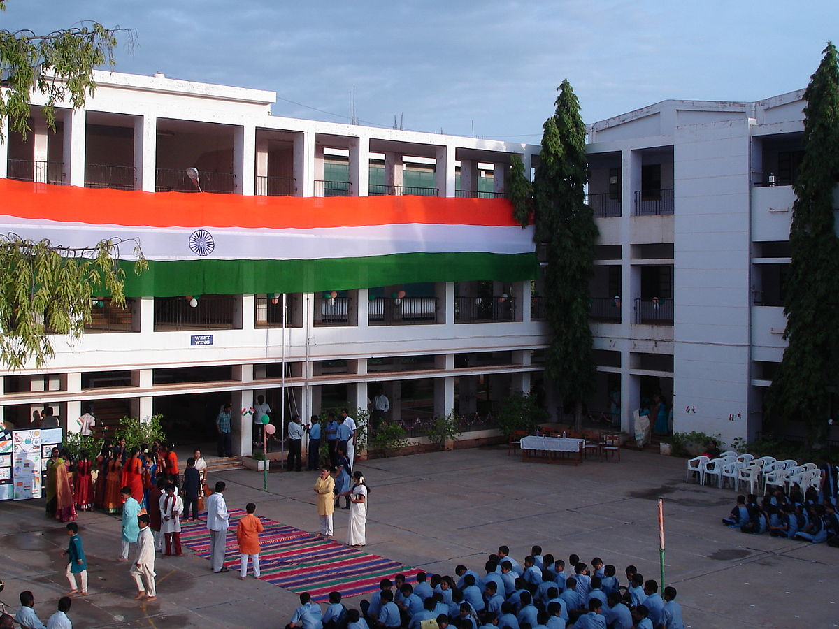 student politics essay Independence day in tvsmhss, during which the cause of youth in indian politics was strongly stressed with means of a skit many initiatives were taken in many schools to develop the interest among students to enter indian politics.