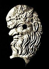 Głowa sylena w lewym profilu
