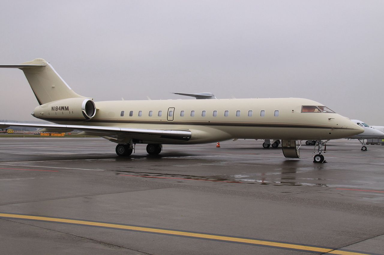 file n194wm bombardier global express 12675256503 jpg wikimedia commons. Black Bedroom Furniture Sets. Home Design Ideas