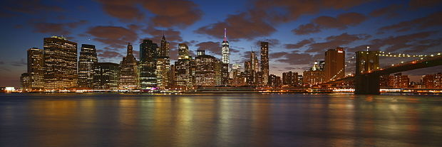 NYC Downtown and Brooklyn Bridge Panorama (Explored) (19610363205).jpg