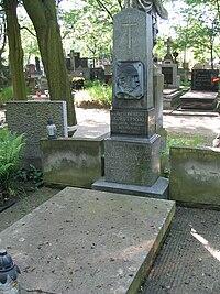 Nagrobek Władysława Korotyńskiego (Cmentarz Powązkowski, Warszawa).jpg