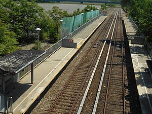 Nassau (Staten Island Railway station) - View of the station from the overpass, showing the closed portions of the platforms.