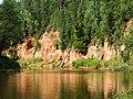 Neļķu klints (Carnation cliff), Salaca river.JPG
